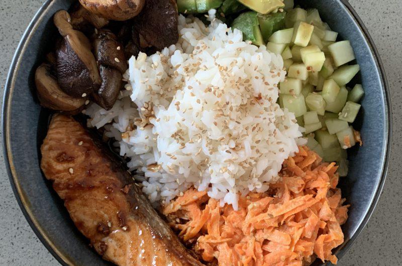 Poké bowl met japanse zalm
