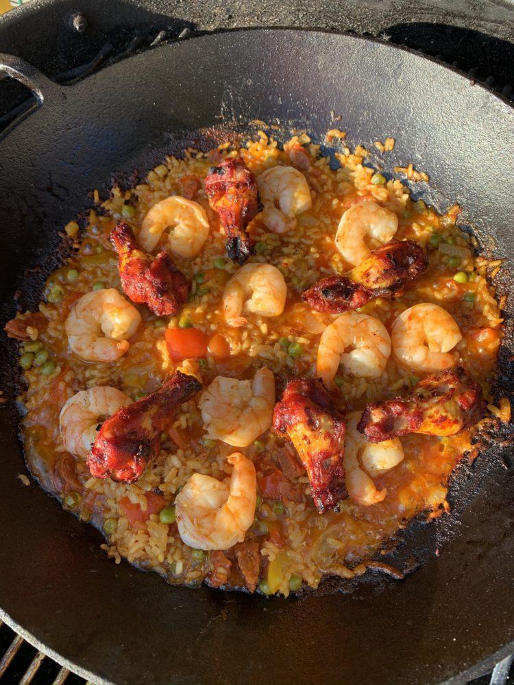 Paella met gamba en kip toegevoegd
