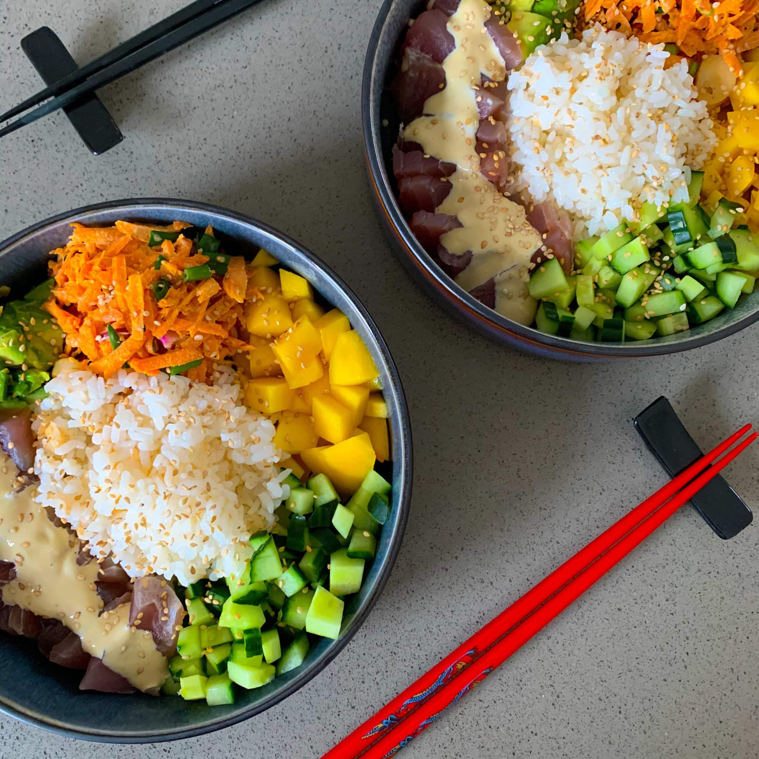 Poké bowl met tonijn en mango