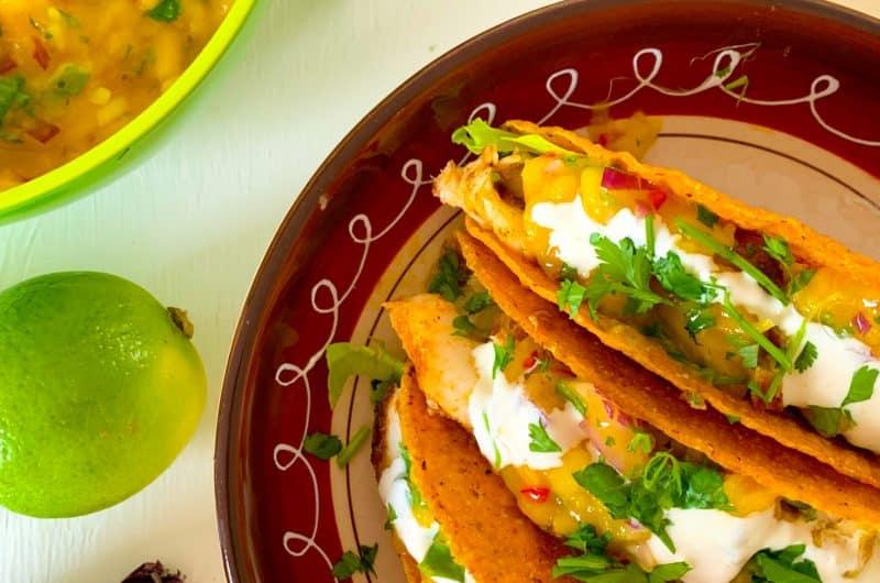 Vistaco's met mangosalsa, guacamole en limoenmayonaise