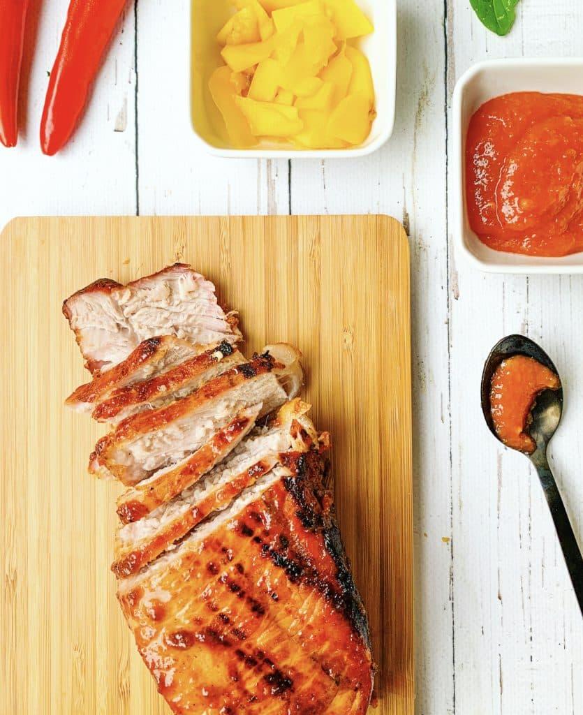 varkensfilet bbq klaar met sauzen