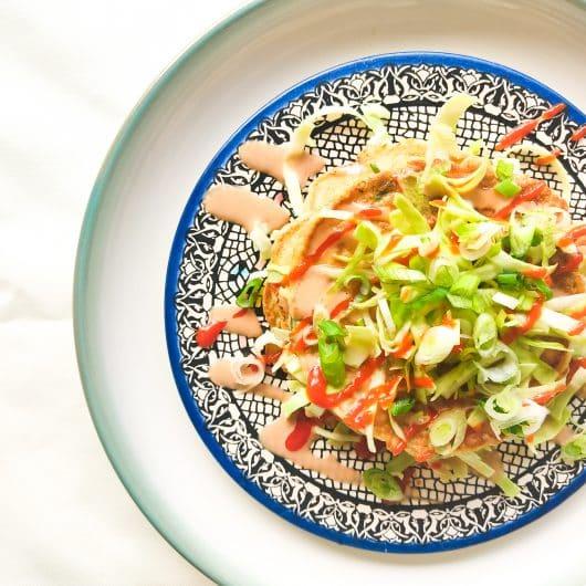 Okonomiyaki (Japanse pannenkoek)