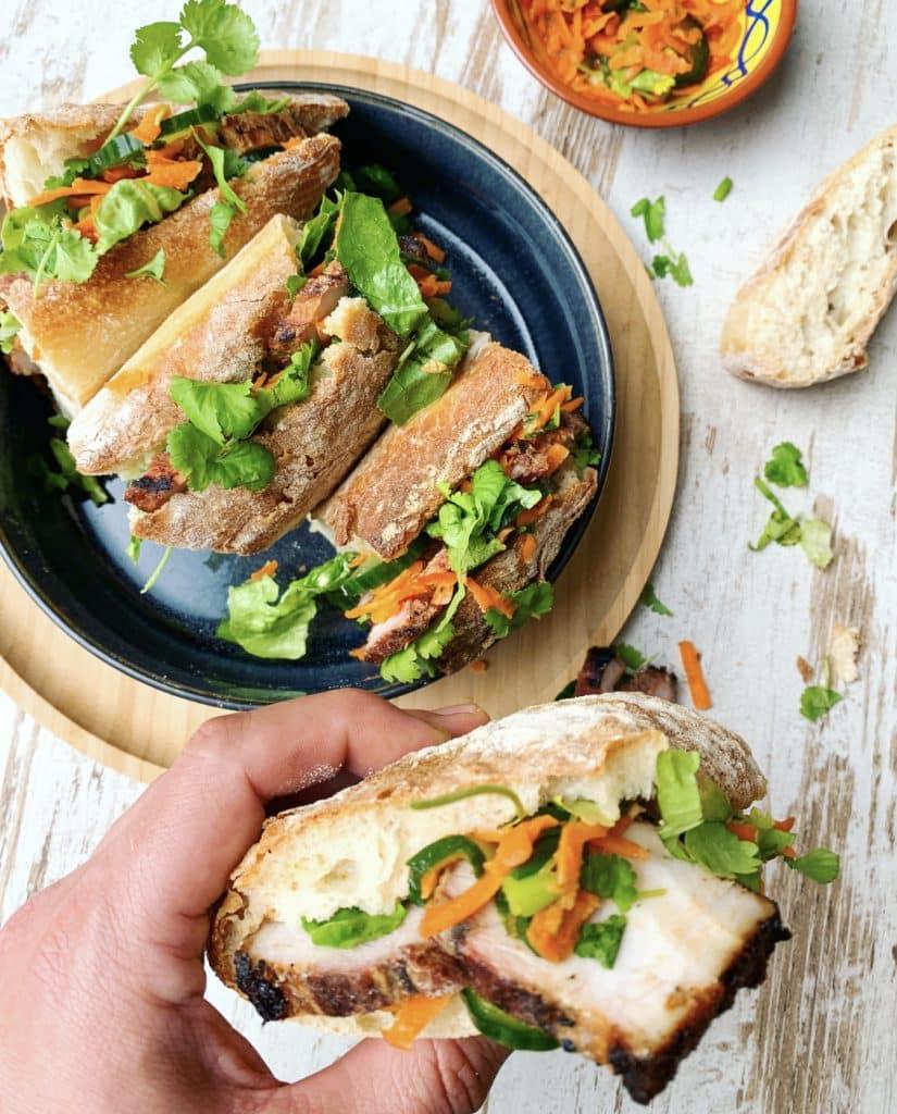 Vietnamese bánh mì met buikspek