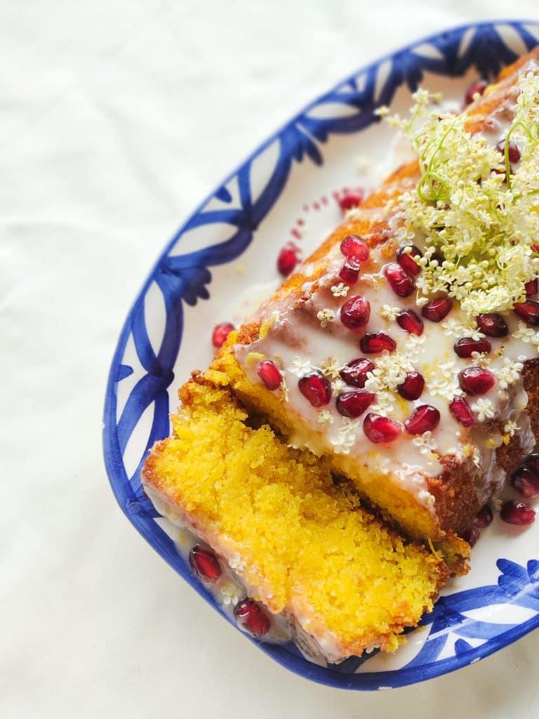 Vlierbloesemcake met polenta en citroen